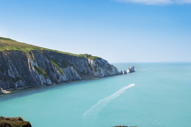 Isle of Wight - Day Tour from Portsmouth including Ferry Crossing