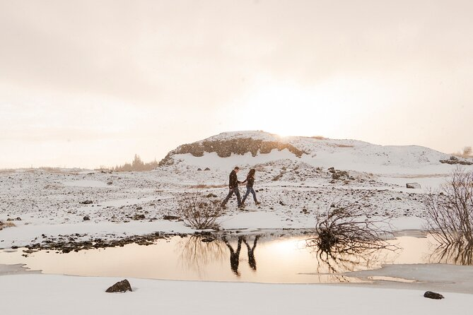 Private Vacation Photography Session with Local Photographer in Reykjavik