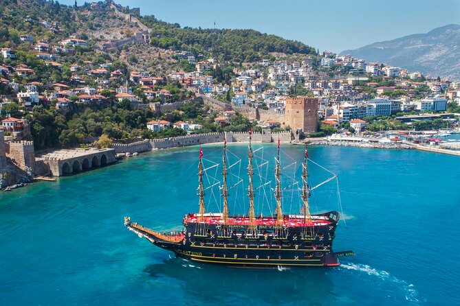 Alanya Pirate Boat with Lunch and Drinks