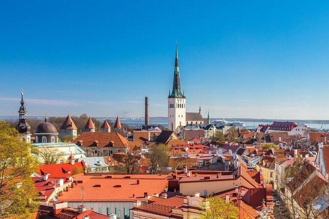 Scavenger hunt through the old town of Tallinn