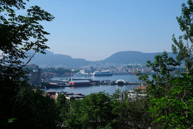 History and Nature Along Bergen's Hillside