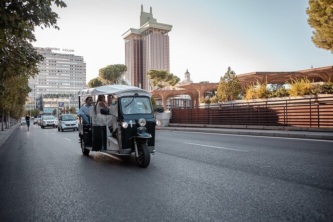 Welcome tour to Madrid by electric tuk-tuk