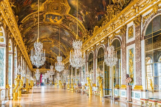 Palace of Versailles Skip the Line Ticket & Audio Tour on a Mobile App
