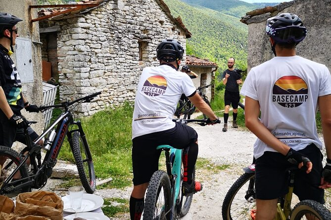 Full-Day Private Ghost Town Bike Tour in Fabriano and Genga