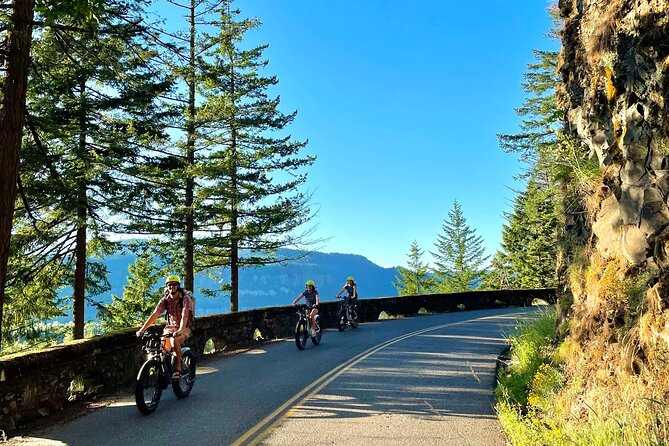 E-Bike Rental and Self Guided Tour of Multnomah Falls and the Columbia Gorge