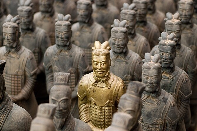 Xian Historical Private Tour of Terracotta Warriors, Miniature Terracotta Warrior-Making, Ancient Walls, and Qin Culture-Themed Cuisine