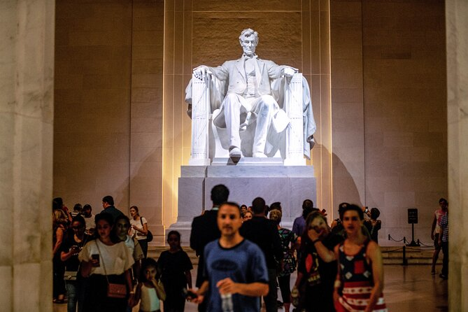 Washington DC After Dark Sightseeing Night-Time Tour with Stops at 8 Top Sites