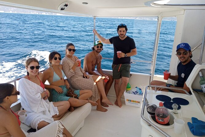 Private Yacht Tour of Puerto Vallarta with Snorkel