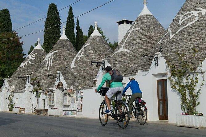 Alberobello and Locorotondo bike tour with aperitif.