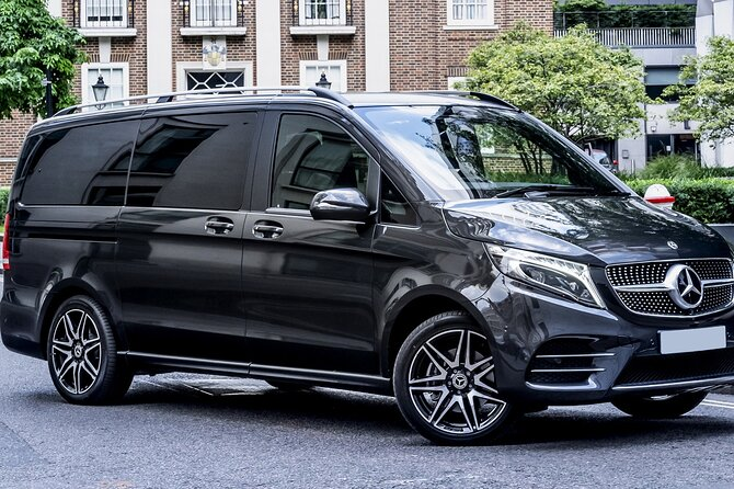 Private Airport Transfer: Baltimore Airport BWI to Washington in Luxury Van