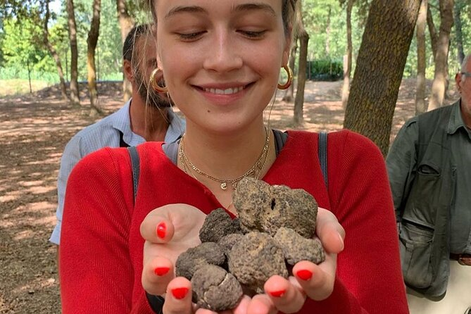 San Gimignano Cooking Class with truffle, lunch and wine tasting