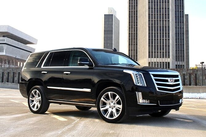 Departure Private Transfer: Tampa City to Tampa Airport TPA in Luxury SUV