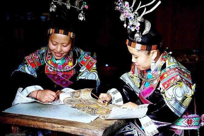 Private 2-day Tour:Visit Miao villages and learn about local traditional crafts