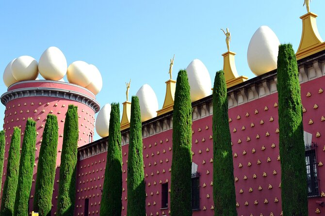 Full-Day Tour to Dalí museum and Girona from Barcelona