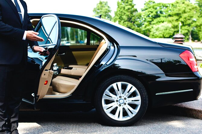 Transfer from Krakow Airport to City Center by Mercedes Limousine