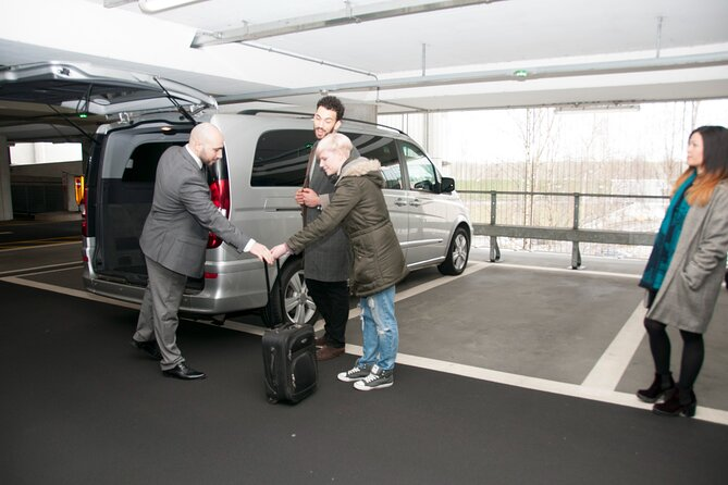 Private London Arrival Transfer - Airport to Hotel / Accommodation