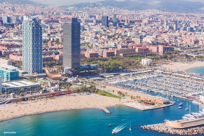 Recorrido en helicóptero por la ciudad y la costa de Barcelona