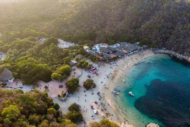 Playa La Entrega (La Entrega Bay)