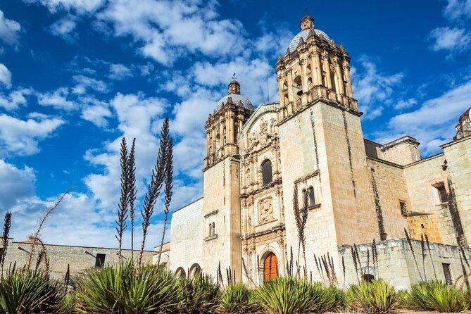 Santo Domingo de Guzmán Church (Templo de Santo Domingo de Guzmán)