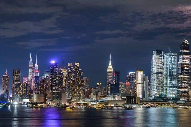 New York City Skyline Tour by Night with Local Guide