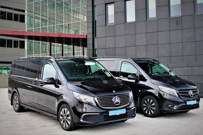 Private Keflavik Airport Transfer (One Way)