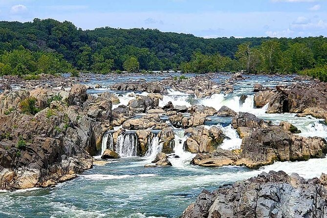 Self-guided Waterfall Hiking Tour through Great Falls National Park