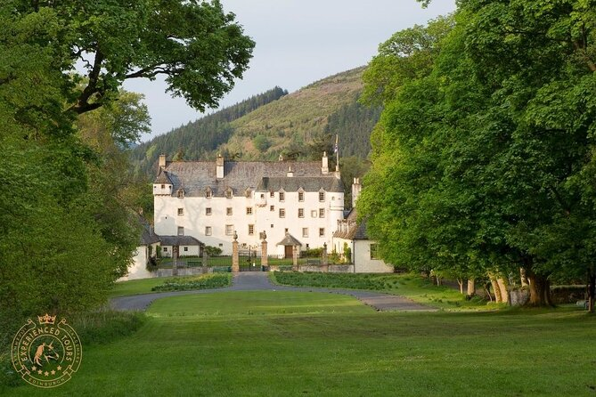 The Scottish Borders Full-Day Private Tour in a Luxury Minivan with Local Guide