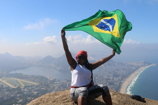 Two Brothers Mountain Hiking, Bike Ride in Vidigal and Rocinha & Açaí Bowl