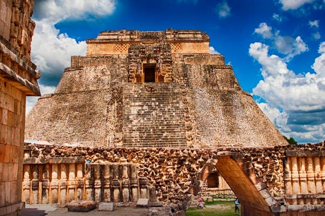Tour to Uxmal and Chocolate Museum