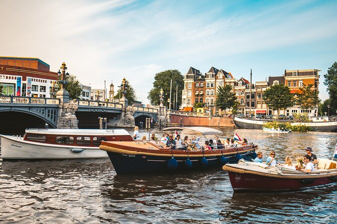 Small Group Tour - Highlights of Amsterdam Canal Cruise - Inc. Welcome Drink