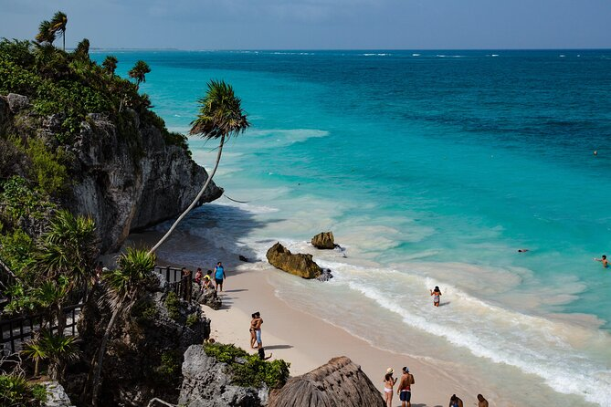 Private Sightseeing in Bacalar to Tulum with Local English Speaking Driver