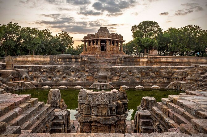 Gujarat Historical, Cultural, Religious & Wildlife Discovery Tour