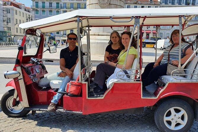 Excursão guiada particular de tuk tuk elétrico por Lisboa histórica com 2 horas