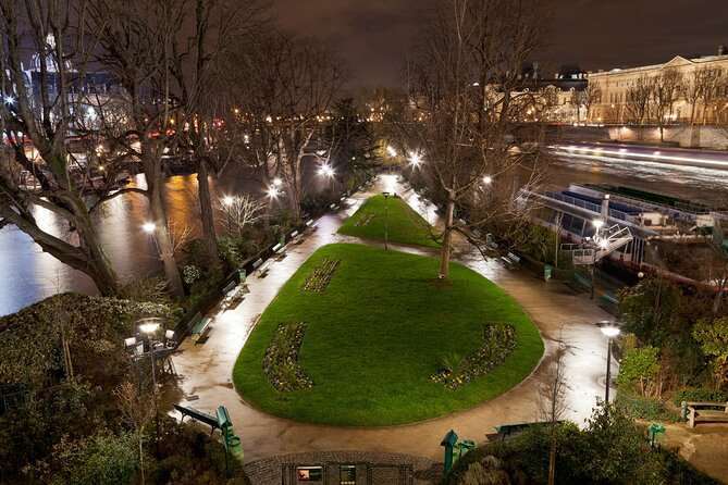 Ghosts, Mysteries and Legends: Night Walking Tour of Paris