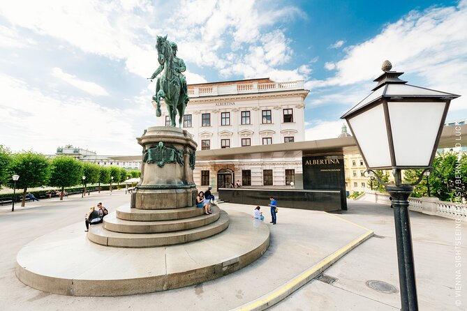 Vienna Old Town City Tour by E-Bus and with guide