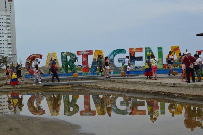 Chiva Cultural Bus Tour through the City of Cartagena