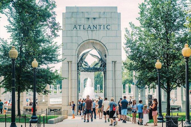 Guided Washington DC Tour with Photo Stops & Potomac River Cruise