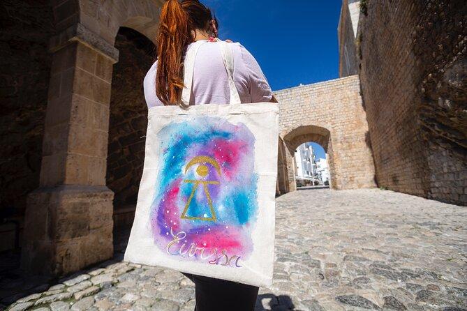 Guided walking tour in Dalt Vila and Art workshop