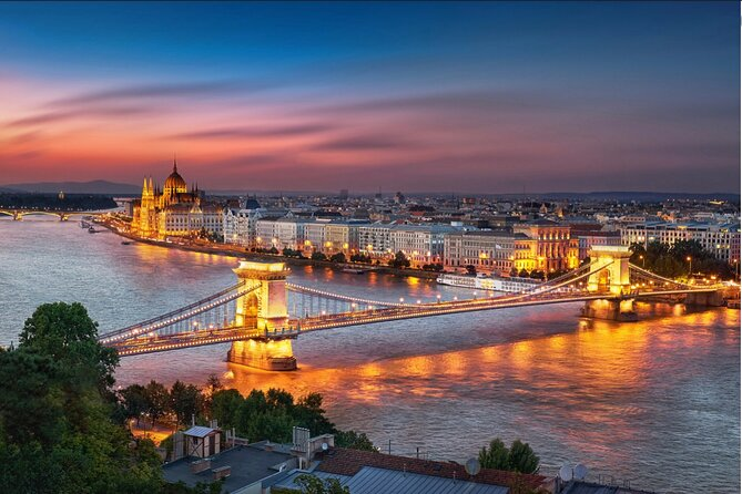 Professional Guides Walking Tours Day&Night (Select City Worldwide 1-2pers)