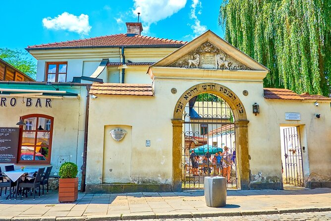 3-Day Krakow Guided Tour: Jewish Quarter and Ghetto with Wieliczka and Auschwitz