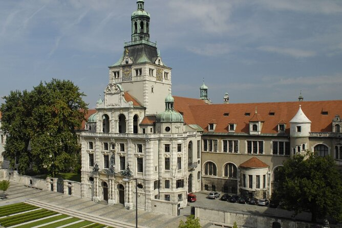 Visit the Bavarian National Museum with Paul
