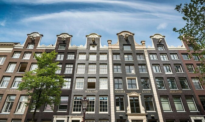 Visiting Amsterdam for the First Time? Here's What to See and Do