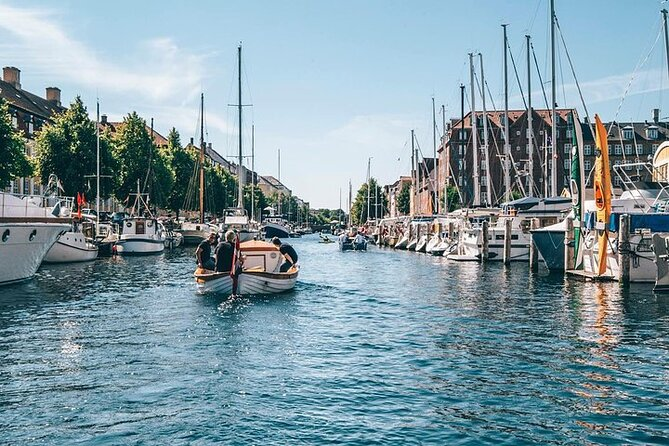4-Hour Private City Walking Tour including a Canal Tour