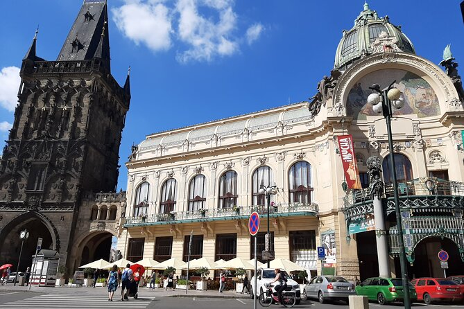 Private Walking Tour of Prague´s Old Town and Charles Bridge (Right Riverbank)