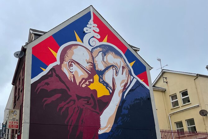 Derrie Danders: Street Art and Murals of the Walled City