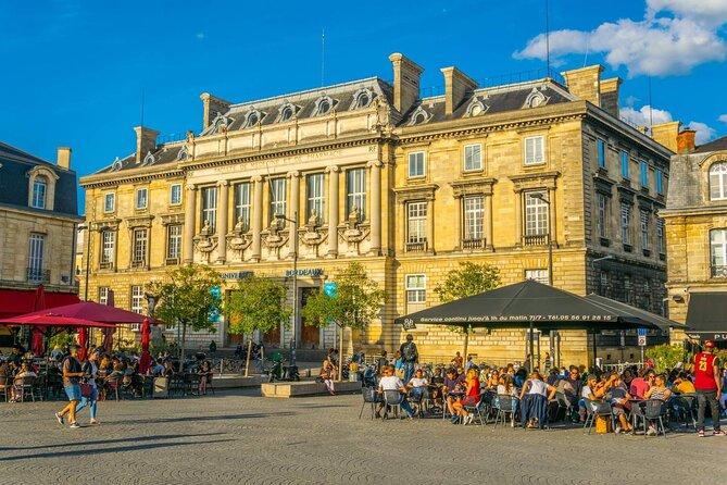 Bordeaux Private Tour: Old Town Exploration Game