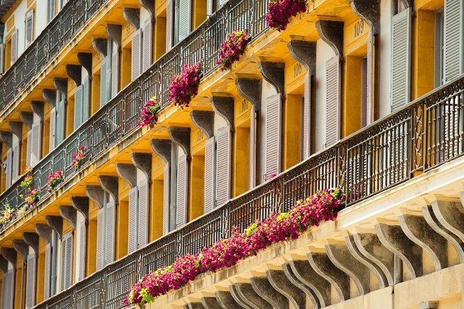 San Sebastian SIGHTSEEING and PINTXOS - Private Cultural & Gastronomic Adventure