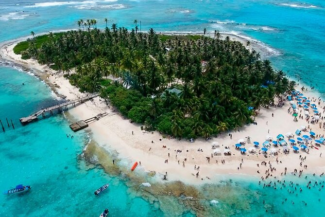 Tour to Johnny Cay + Aquarium + Manta rays + Mangroves in San Andres Colombia