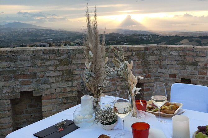 Guided visit to the Fortress of Acquaviva Picena with Aperitif
