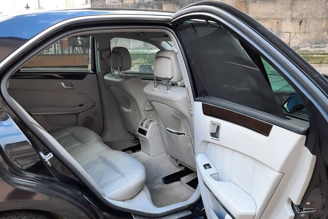 Your Private Limousine Transfer from Regensburg to Prague